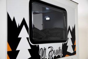 MtBeauty-Window